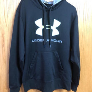 UNDER ARMOUR - パーカー