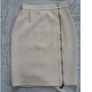 モスキーノ(MOSCHINO)のBOUTIQUE  MOSCHINO 白スカート(ミニスカート)