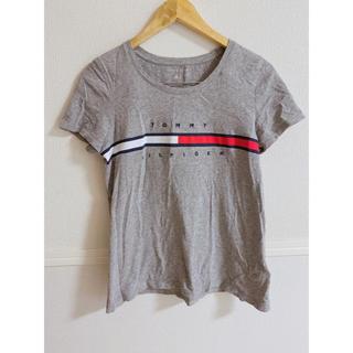 トミーヒルフィガー(TOMMY HILFIGER)の【TOMMY HILFIGER】ロゴTシャツ グレー(Tシャツ(半袖/袖なし))