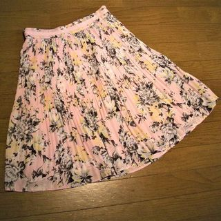 インデックス(INDEX)のindex  プリーツスカート ピンク系花柄(ひざ丈スカート)