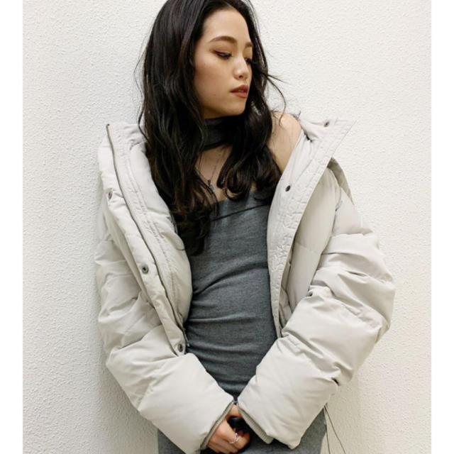 GYDA(ジェイダ)のGYDA ショートダウンジャケット ホワイト レディースのジャケット/アウター(ダウンジャケット)の商品写真