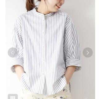 Spick and Span - 【新品タグ付】Spick&Span パールボタンギャザースリーブシャツ