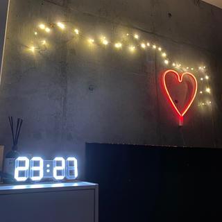 おしゃれなデジタル時計(置時計)