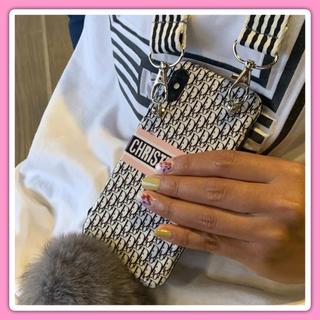 iPhone - iPhone ケース カバー ショルダーストラップ ファ〜ボンボン付き ピンク