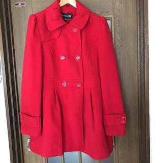 フォーエバートゥエンティーワン(FOREVER 21)の赤のコート(ロングコート)