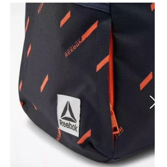 Reebok(リーボック)のReebok  リュック  ネイビー レディースのバッグ(リュック/バックパック)の商品写真