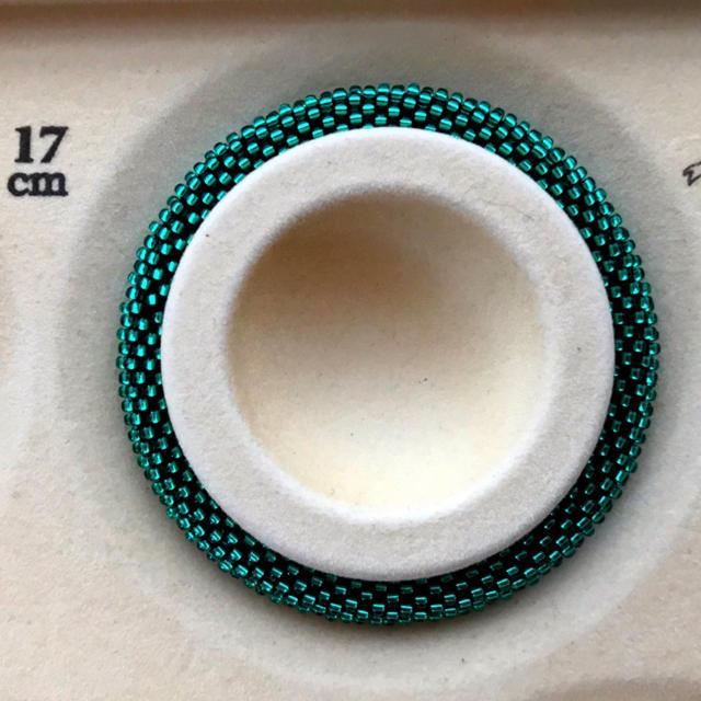 チューブクロッシェのブレスレット ハンドメイドのアクセサリー(ブレスレット/バングル)の商品写真