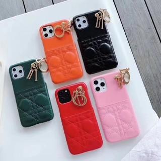 キルティング ポケット、チャーム付きiPhoneケース(iPhoneケース)