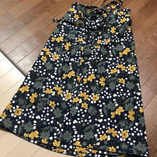 ミラオーウェン(Mila Owen)のネイビー花柄スカート (ロングスカート)