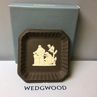 WEDGWOOD - 新品 未使用 ウェッジウッド ブラック ジャスパー  スクエア トレー プレート