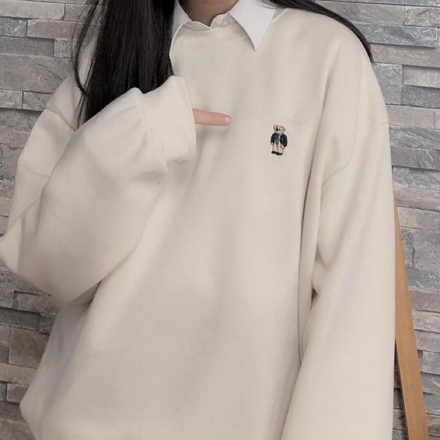 STYLENANDA(スタイルナンダ)の韓国 ワンポイントベアスウェット レディースのトップス(トレーナー/スウェット)の商品写真