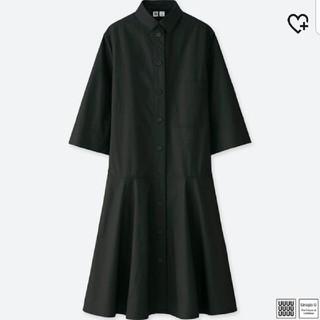 ユニクロ(UNIQLO)のユニクロU シャツ ワンピース 黒 モード モノトーン 2018SS(ひざ丈ワンピース)
