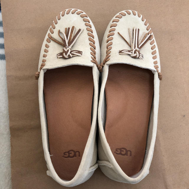 UGG(アグ)のUGG フラットシューズ レディースの靴/シューズ(ローファー/革靴)の商品写真