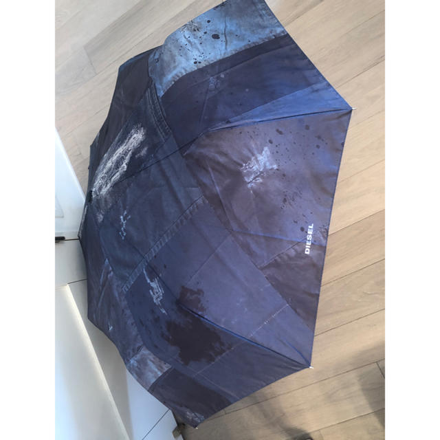 DIESEL(ディーゼル)の折り畳み傘 ディーゼル レディースのファッション小物(傘)の商品写真