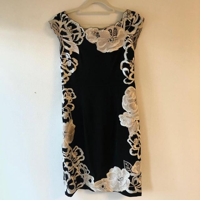 GRACE CONTINENTAL(グレースコンチネンタル)の【美品】超レア品 GRACE 刺繍ビジュー ドレス 結婚式 ワンピース レディースのフォーマル/ドレス(ミディアムドレス)の商品写真