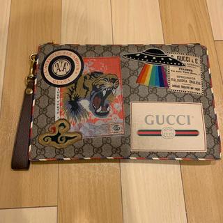 Gucci - GUCCI GGスプリーム クラッチバッグ ワッペン