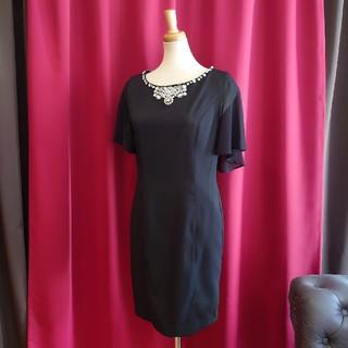 ジュエルズ(JEWELS)のJ1794 新品 M ドレスワンピース Jewels ブラック ケープ風 袖あり(その他ドレス)