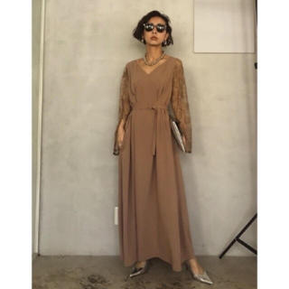 Ameri VINTAGE - LACE SLEEVE REFINED DRESS クーポンで20800円!