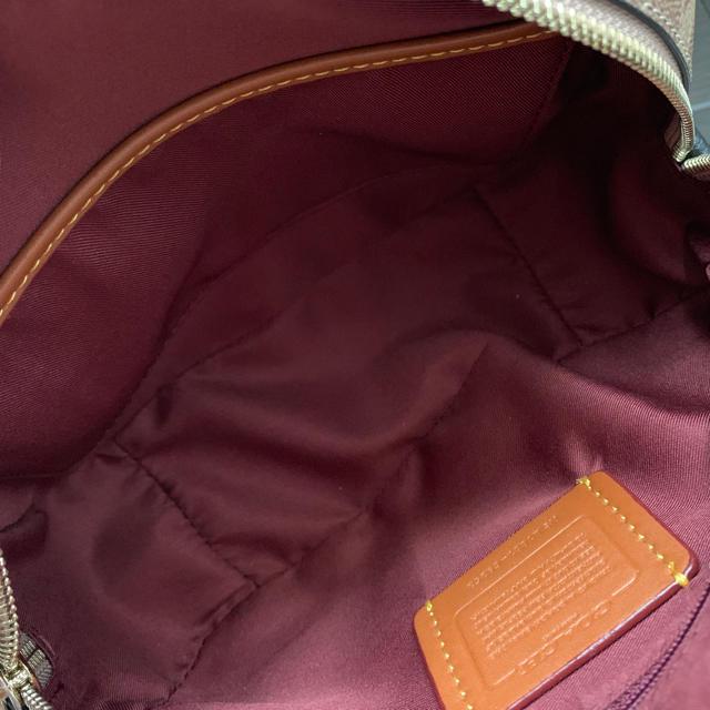 COACH(コーチ)のコーチ 新品 とんすけ クロスボディ ディズニーコラボ  ショルダー レディースのバッグ(ショルダーバッグ)の商品写真