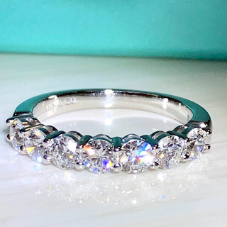 Tiffany & Co. - ティファニー エンブレイス シェアドプロング リング
