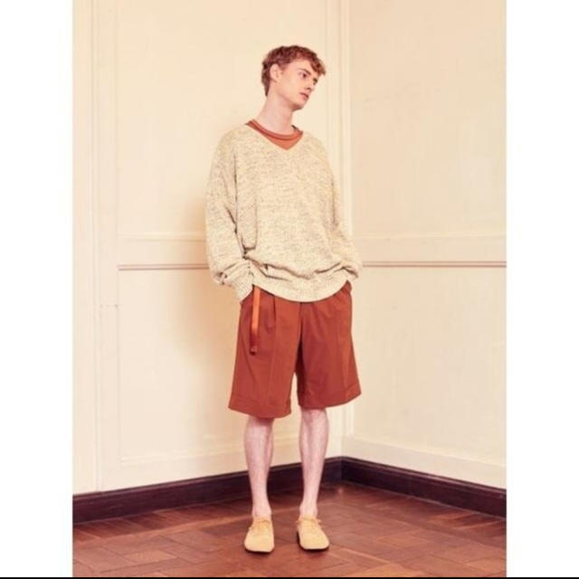 COMOLI(コモリ)のYOKE  2TUCK WIDE SHORTS 新品未使用 メンズのパンツ(ショートパンツ)の商品写真
