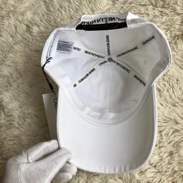 Calvin Klein(カルバンクライン)の新品 カルバンクライン CALVIN KLEIN 新作 ロゴキャップ ホワイト レディースの帽子(キャップ)の商品写真