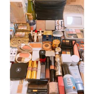 Yves Saint Laurent Beaute - shu uemura化粧ポーチ付 コスメ大量まとめ売り CHANEL,Dior込