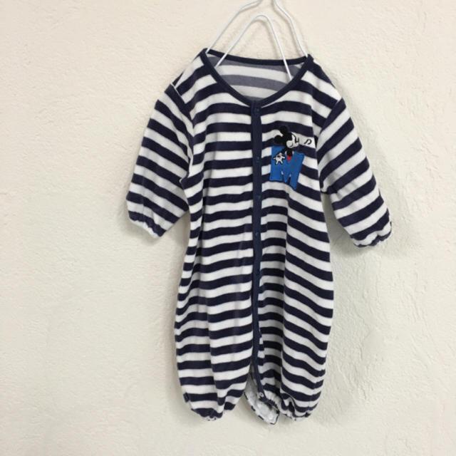 Disney(ディズニー)のbaby赤ちゃんネイビーミッキーDisneyベロア素材ロンパース キッズ/ベビー/マタニティのベビー服(~85cm)(ロンパース)の商品写真