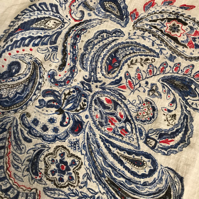 ZARA(ザラ)のZARA ザラ☆刺繍Tシャツ レディースのトップス(Tシャツ(半袖/袖なし))の商品写真