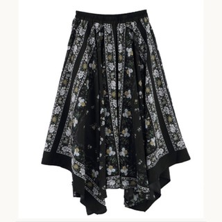axes femme - axesfemme タグ付き未使用。花モチーフスカーフ柄スカート