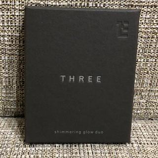 スリー(THREE)のthree シマリンググローデュオ#01 6.8g acro(フェイスカラー)