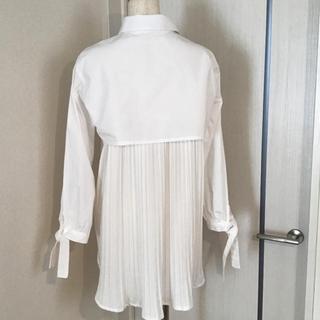 dholic - バックプリーツ 袖リボンブラウス シャツ 韓国ファッション