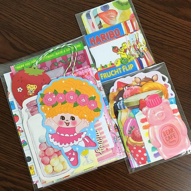 ♡カラフル♡紙ものセット インテリア/住まい/日用品の文房具(ノート/メモ帳/ふせん)の商品写真