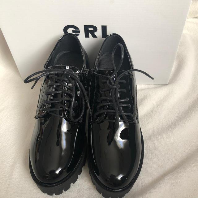 GRL(グレイル)のエナメル厚底レースアップシューズ レディースの靴/シューズ(ローファー/革靴)の商品写真