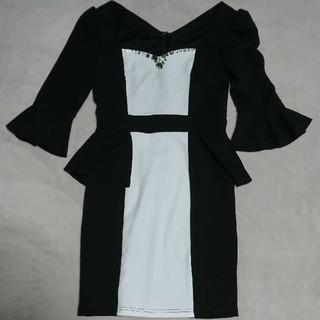 キャバ ドレス ワンピース モノクロ ペプラム 袖あり