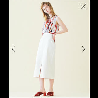 ユナイテッドアローズ(UNITED ARROWS)の【新品タグ付き】Ballseyマットサテン Iラインスカート 9号(36)(ひざ丈スカート)