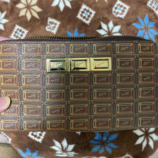 キューポット(Q-pot.)のQ-pot ビターチョコレート ラウンド 長財布(財布)