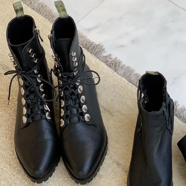 SeaRoomlynn(シールームリン)のSearoomlynn レースアップミディアムブーツ レディースの靴/シューズ(ブーツ)の商品写真