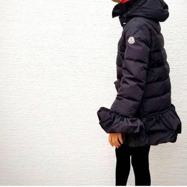 MONCLER(モンクレール)の希少◇モンクレール・ジャパン  滝沢眞規子さん着用  Sacai サカイコラボ  レディースのジャケット/アウター(ダウンコート)の商品写真