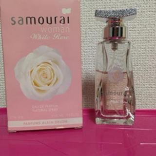 サムライ(SAMOURAI)のサムライウーマン ホワイトローズ 40ml(香水(女性用))