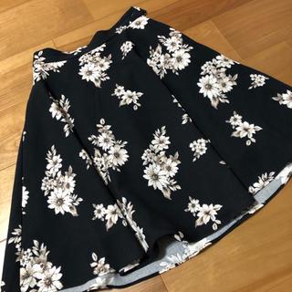 マジェスティックレゴン(MAJESTIC LEGON)の花柄スカート(ひざ丈スカート)