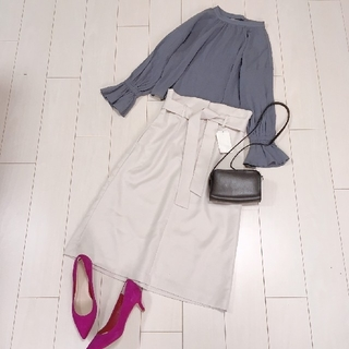 Spick and Span - 上品ブラウスコーデ♡スピック&スパンリボンタイトスカート