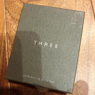 THREE - THREE シマリンググローデュオ01