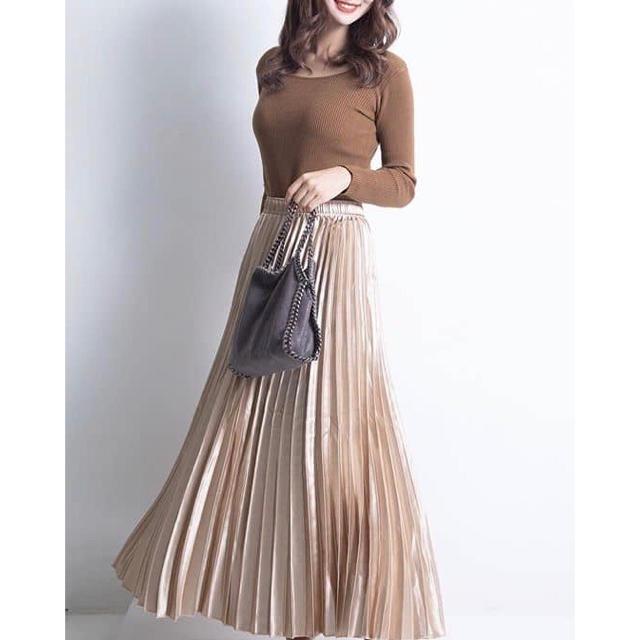 fifth(フィフス)のfifth シャイニーロングプリーツスカート ベージュ♡ レディースのスカート(ロングスカート)の商品写真