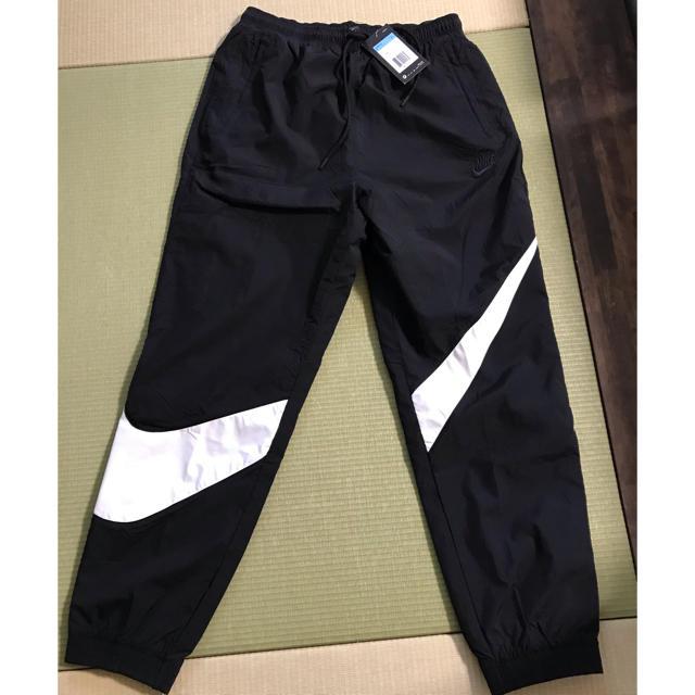 NIKE(ナイキ)のナイキ  NIKE ビッグスウォッシュ ウーブンパンツ AR9895-010 メンズのパンツ(その他)の商品写真