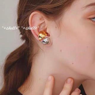Ameri VINTAGE - 86 インポート プチペタル イヤーカフ メタルシルバー 片耳用 右耳