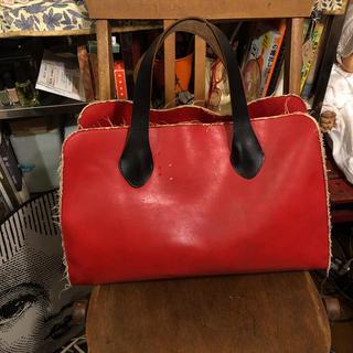 Marni - マルニ  の赤いバッグ