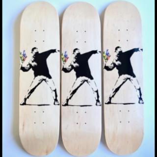 メディコムトイ(MEDICOM TOY)のBANKSY バンクシー スケートボード デッキ シュリンク付 3枚セット(スケートボード)