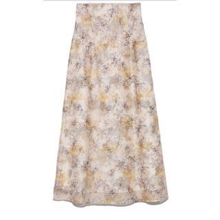 Lily Brown - 新品 タグ付き リリーブラウン ぼかし花柄刺繍スカート オフホワイト
