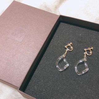 ハリオ(HARIO)のHARIOガラスのイヤリング(イヤリング)